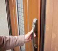 玄関の鍵取付