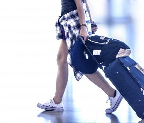 海外旅行のスーツケースに鍵をかける?国によっては危険な場合も