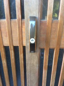 玄関引き戸新規鍵取付