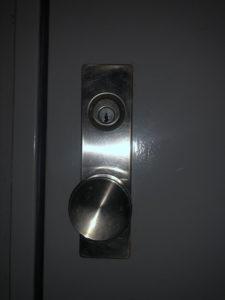 マンション玄関鍵開け