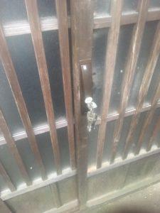 木製引戸鍵交換