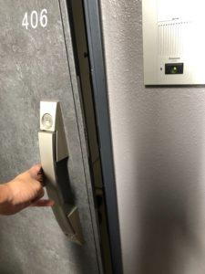 Y様マンション玄関鍵開錠